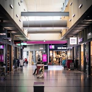 Kauppakeskus Zeppelin/ Shopping Centre Zeppelin