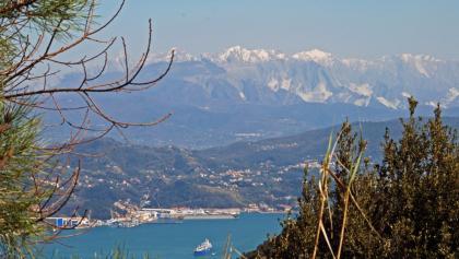 Aus der Ferne grüßen die Apuanischen Alpen