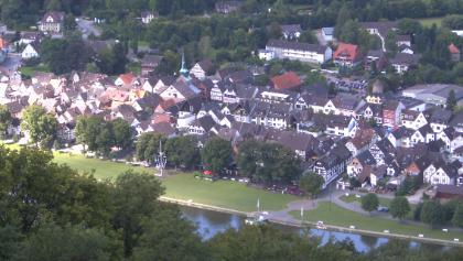 Blick von der Königszinne auf  Weser und Bodenwerder