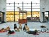 """Auf Einladung des Museums Würth zur Ausstellung """"Menagerie der Tiere"""" trafen sich diese Vierbeiner im Museumshof   - © Quelle: Würth"""