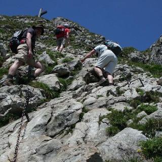 Aufstieg zum Aggensteingipfel über Ketten
