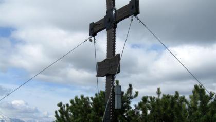 Das schöne schmiedeeiserne Gipfelkreuz am Wasserklotz.