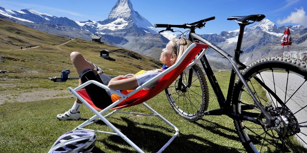 Relaxation opportunity along the way at one of the mountain restaurants