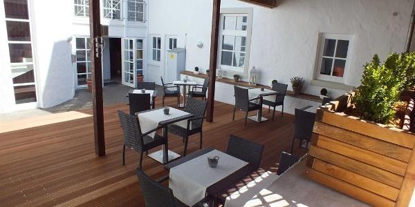 Reza's Bistro-Restaurant-Gästehaus • Guesthouse