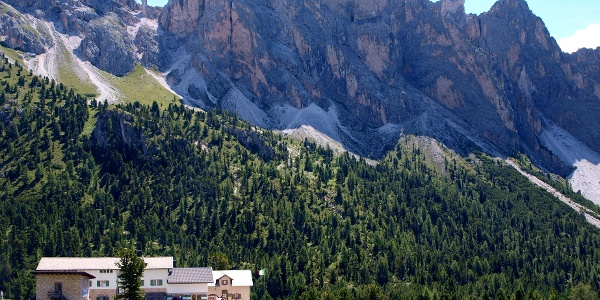 Regensburger Hütte 2037 m