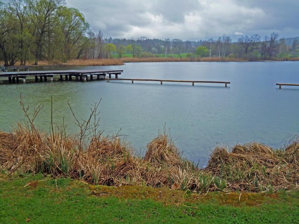 Der Dietlhofer See im Norden von Weilheim. (Monika Heindl)