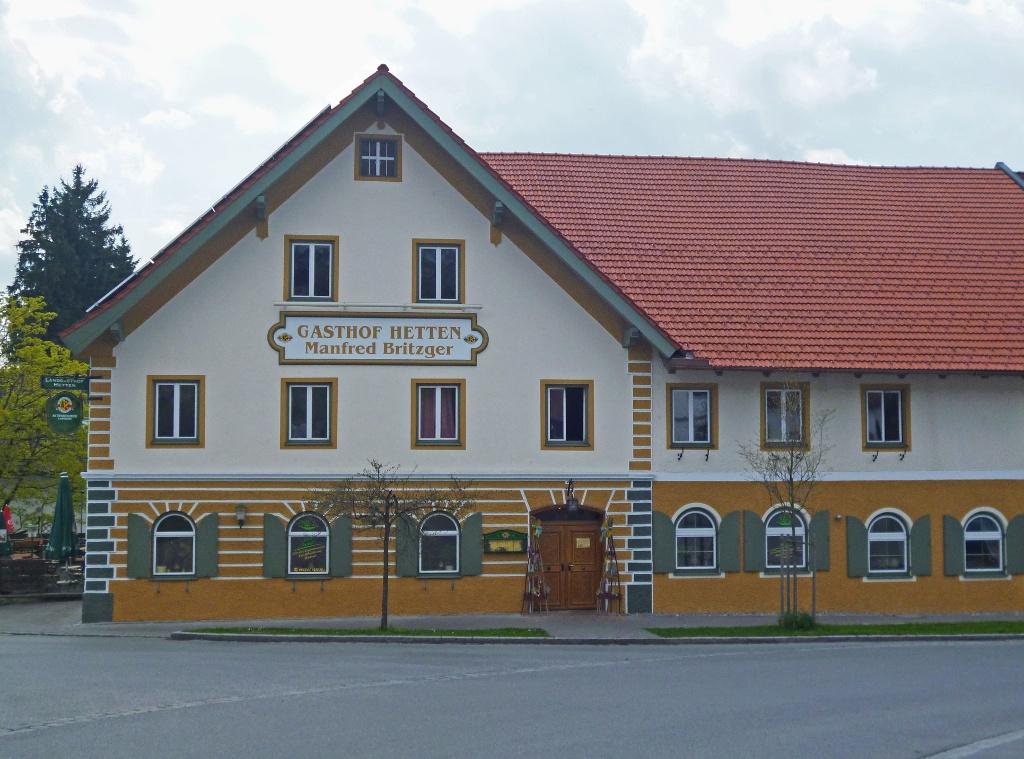 Der Gasthof Hetten im gleichnamigen Ortsteil von Hohenpeißenberg. (Monika Heindl)