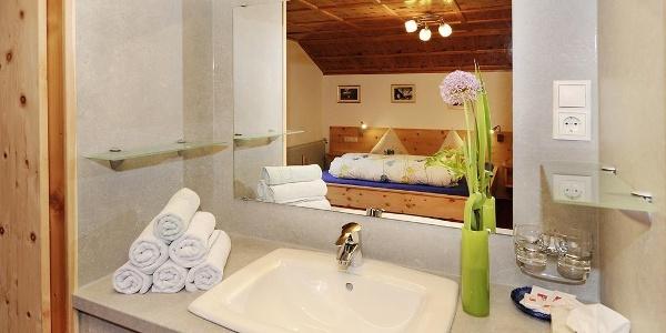 Dreibettzimmer Waschgelegenheit