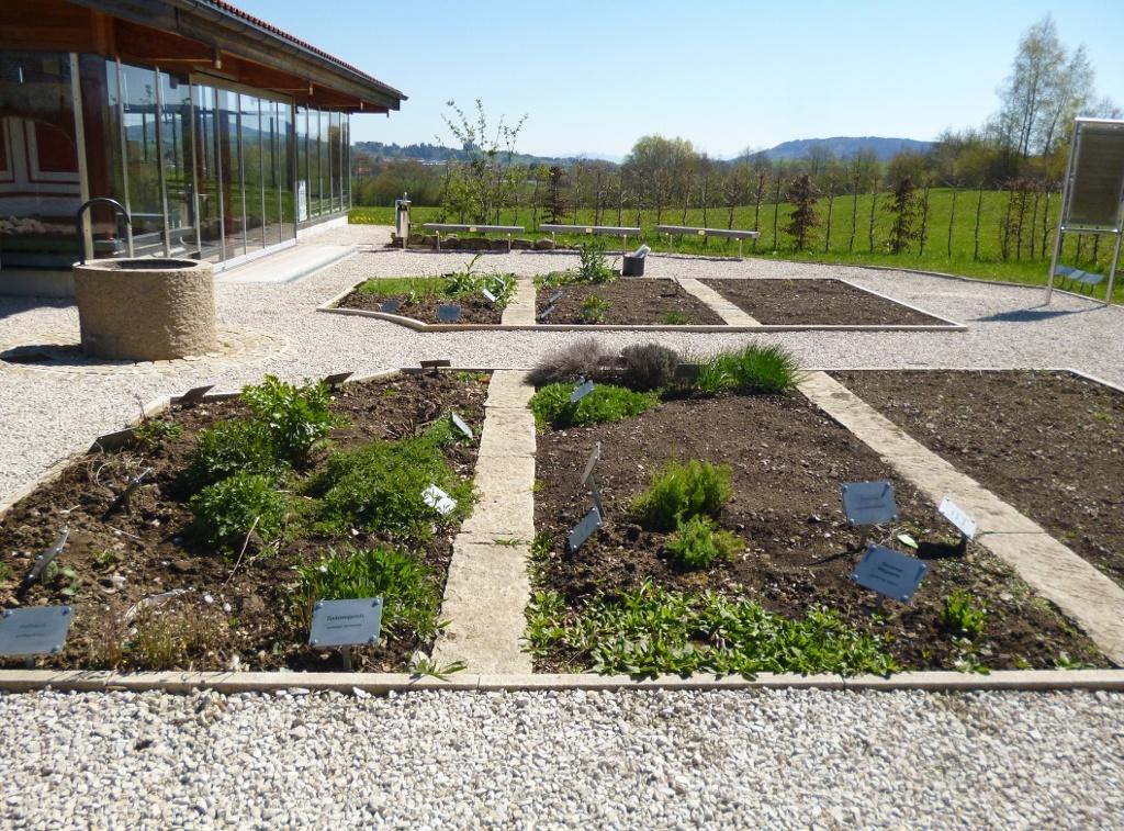 Der römische Küchen- und Heilkräuter-Lehrgarten an der Villa Rustica. (Monika Heindl)