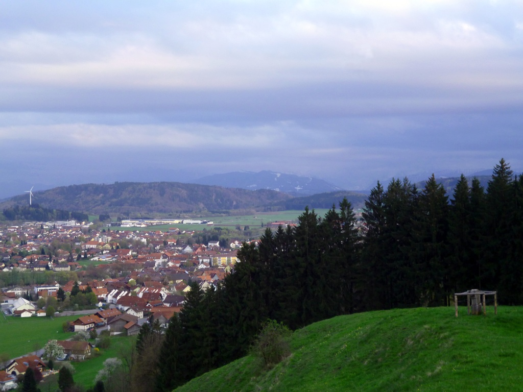 Schöner Blick vom Schlossberg auf Peiting. (Monika Heindl)