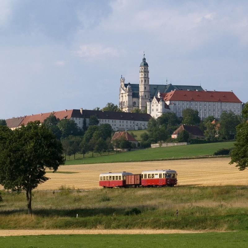 Kloster Neresheim mit Härtsfeldschättere