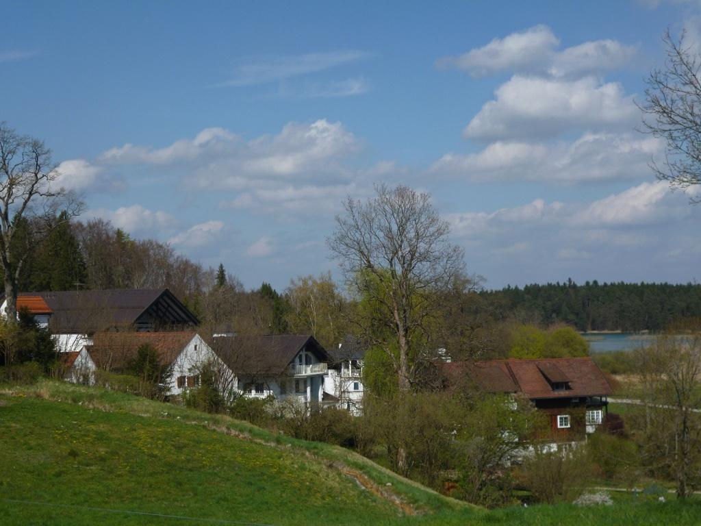 Die Privatklinik Lauterbacher Mühle am nordwestlichen Ende des Großen Ostersees. (Monika Heindl)