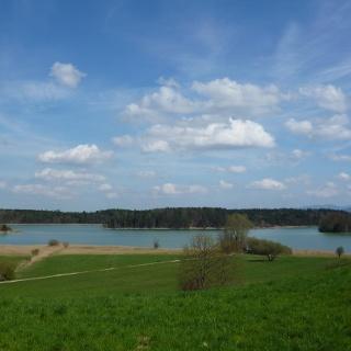 Weiter Blick über den Großen Ostersee nahe der Privatklinik Lauterbacher Mühle.