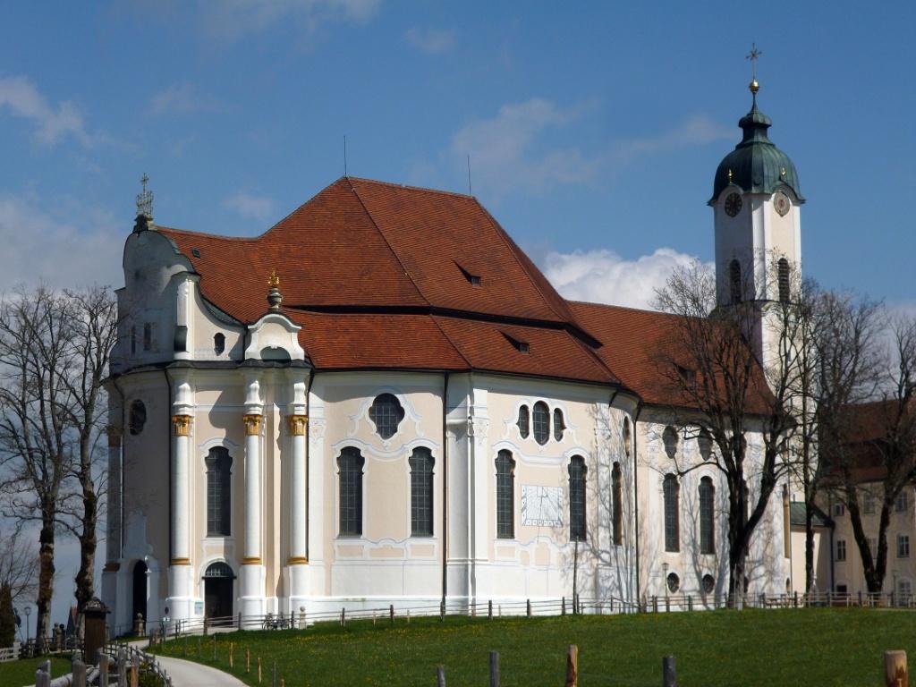Die Wieskirche südlich von Steingaden. (Monika Heindl)