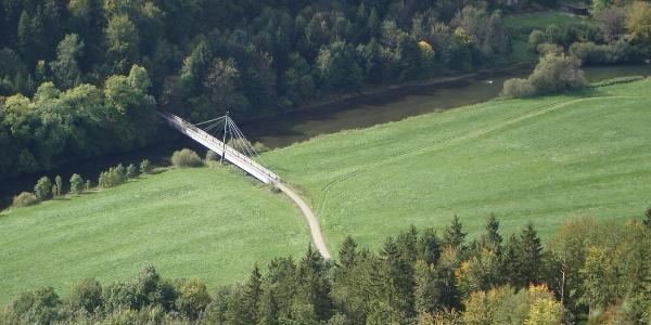 Blick vom Bandfelsen auf die Hängebrücke zum Umlaufberg