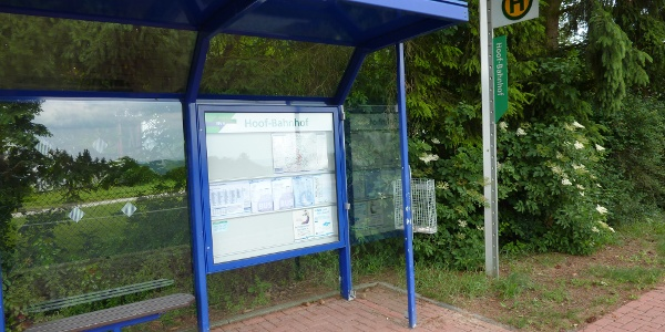 Bushaltestelle Hoof-Bahnhof