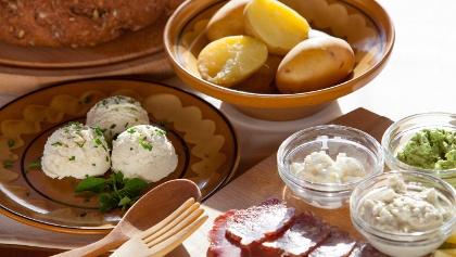 Traditionelles Essen im Socatal