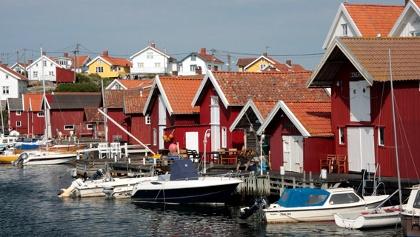 Alte Fischerhäuser auf Gullholmen in den schwedischen Schären.