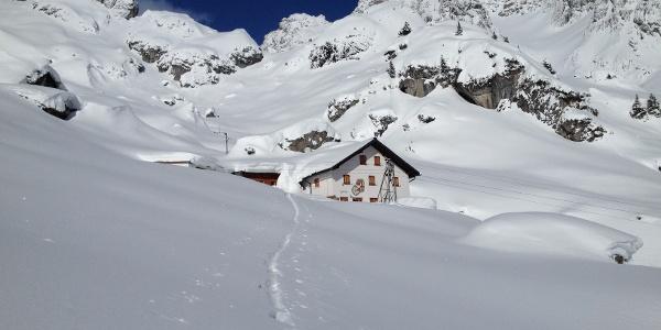 Winterruhe auf der Hütte
