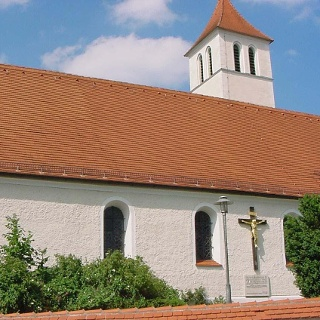 Kirche am Wegesrand in Dießen.