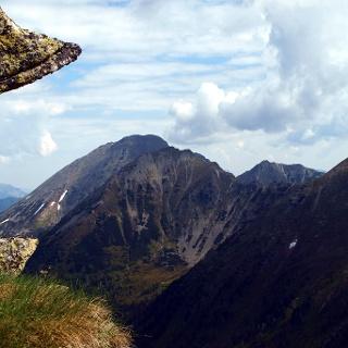 Am Ostgrat vom Lärchkogel mit Blick zum Grießstein