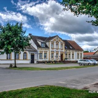 Seeligs Gasthaus-Strassenansicht Dollgow