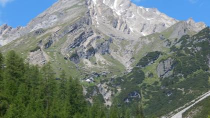 Blick zum Muttekopf und Muttekopfhütte