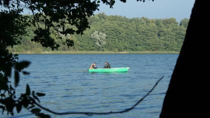 Am Wolgastsee können wir bei schönem Wetter auch baden oder eine Bootsfahrt machen.