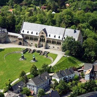 In der prächtigen Kaiserpfalz wurde deutsche und sogar europäische Geschichte geschrieben.