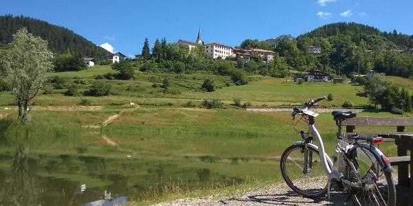 Con l'E-Bike ai Laghetti ai Masi di Ruffrè