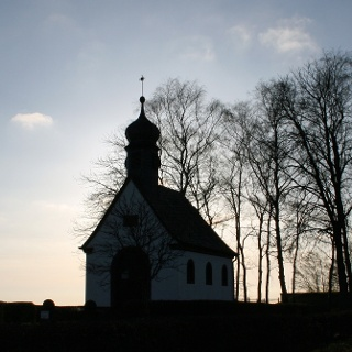 Kapelle bei Sonnenuntergang