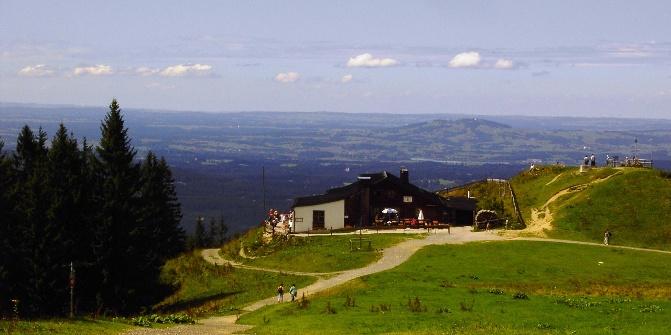 Die Hörnle Hütte mit Panorama.