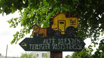 Foto Poststraßenschild in Göppersdorf