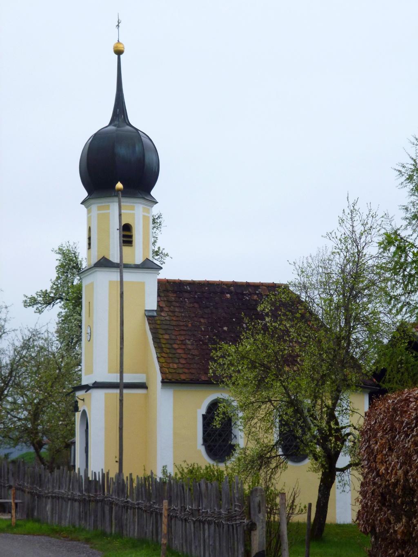 Die kleine Kapelle im Wildsteiger Ortsteil Holz. (Monika Heindl)