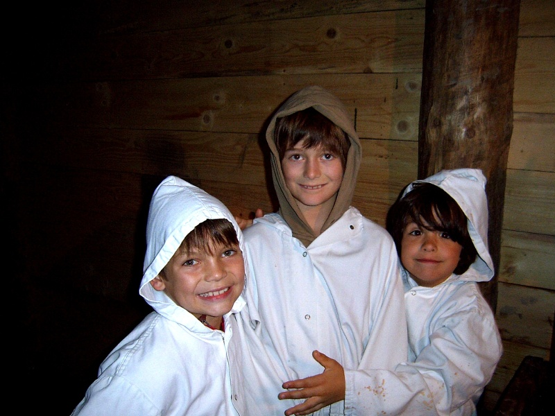 Kinder im Salzbergwerk