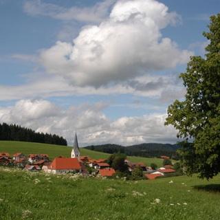 Dorfidylle auf dem Weg ins Schwarzbachtal.