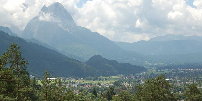 Alpspitze und Hochblassen, vom Wank aus gesehen.