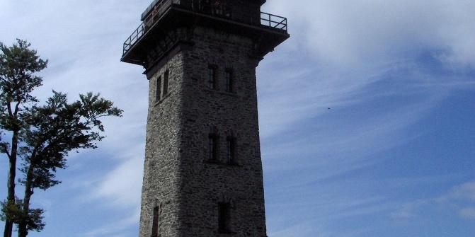 Bereits seit 1905 steht an dieser Stelle ein Aussichtsturm.