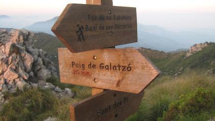 Wegmarkierung zum Puig de Galatzó.