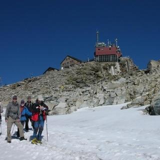 Vor dem Zittelhaus Gipfel Hoher Sonnblick