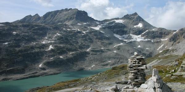 Start beim Steinmann - Hochwurtensee mit Rojacherspitze und Alteck