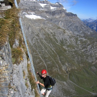 Die einzige Leiter im Braunwalder Klettersteig.