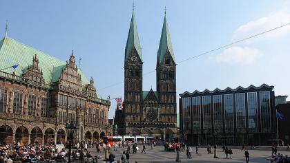 Der Bremern Dom mit Rathaus und Bürgschaft