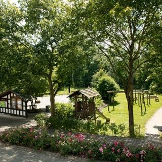 Dorfmitte Dreislar mit Spielplatz