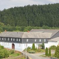 Der Hof vom Weckersdorfer Kirchturm