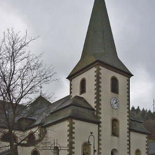 Im Turm der Kirche St. Cosmas u. Damian wird die Schwarze Hand aufbewahrt.