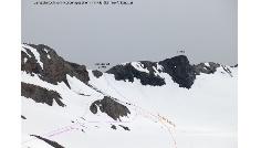 Langtalerjoch von Norden mit viel Schnee (Anfang Juli)
