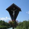 Die Loisachbrücke im Sommer.