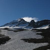 Oberhalb der vorderen Äckerlen ist der Gipfel schon sichtbar