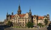 Foto Blick vom Zwinger auf das Residenzschloss in Dresden